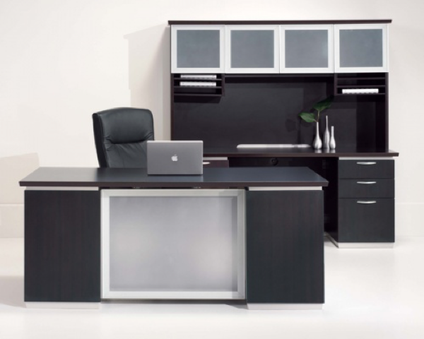 Choosing the Right Desk For Your Occupation